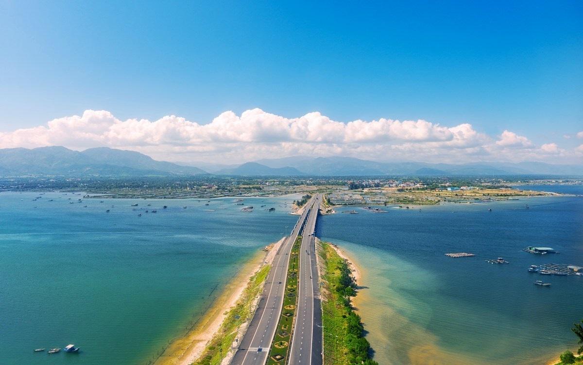 Đại lộ Nguyễn Tất Thành- con đường resort mới của Bãi Dài Cam Ranh